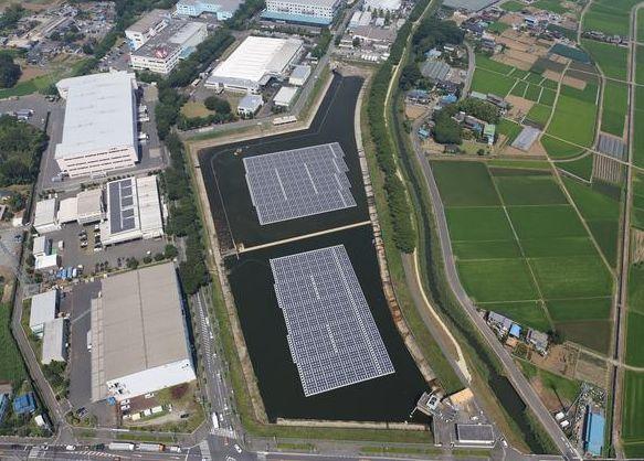 水に浮く太陽光発電